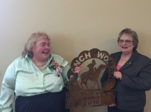 Jonita Sommers presenting Susan Bousman 2016 Ranchwoman of the Year award at annual meeting